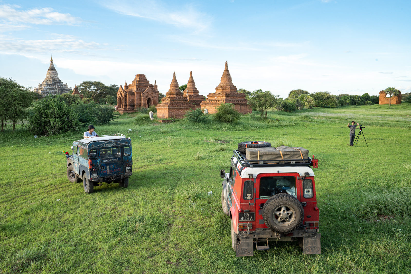 Oxford-and-convoy-in-Bagan-Myanmar-1600x1067